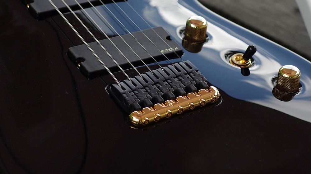 Taisto Guitars V25-FX7/H custom guitar
