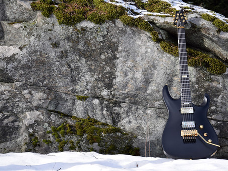 Black V25-FR plus2 baritone