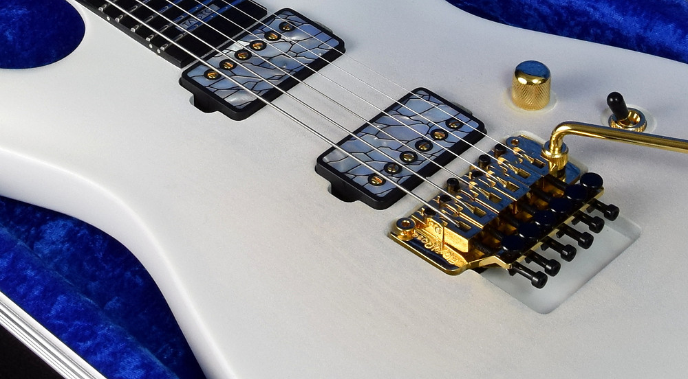 V25-FR plus2 with TAISTO custom pickup covers and Lundgren The One pickups