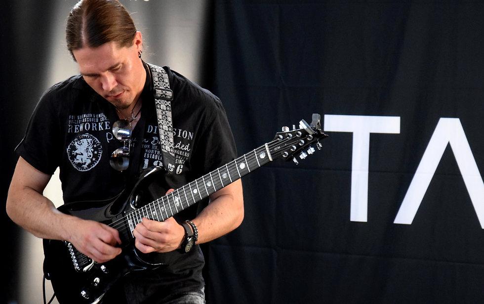 Samuli Federley plays his black customized V25-FX7/H 7-string guitar in Gothenburg Sweden