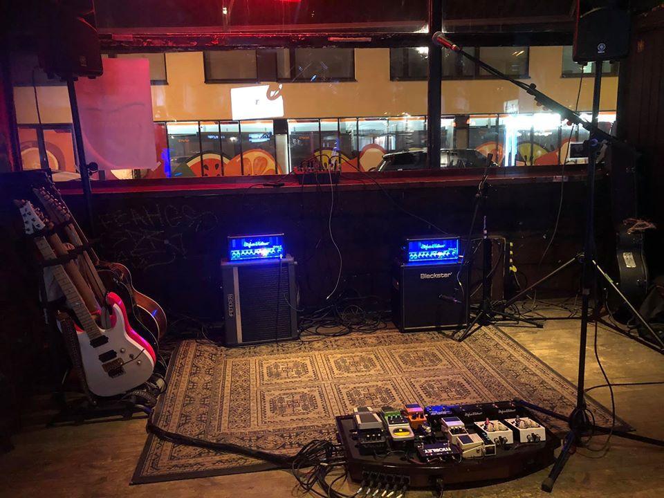 Henri Aalto stereo gig setup