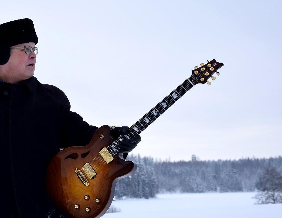 Taisto Guitars AROK-WG custom guitar with Bare Knuckle Pickups