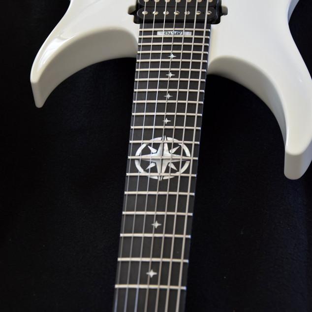 White V25-FX7/H