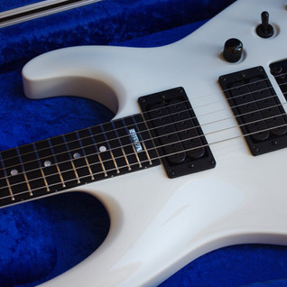 Easy access to high frets