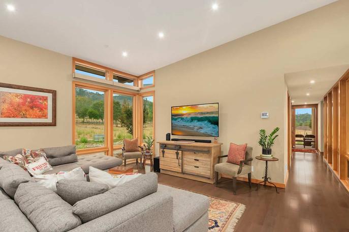 Prefabricated-Modern-Home-Living-Room