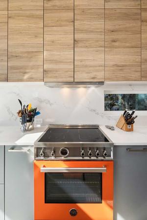 Stillwater-Dwellings-Modern-Kitchen-Desi