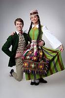 tautiniai lietuviu drabuziai.jpg
