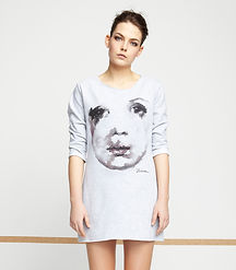Woman's-tunic-with-hand-painted-face-motive-printed-on-high-quality-cotton-by-Ewa-Zwolinska.