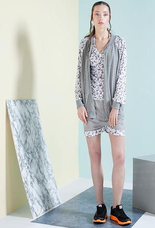 Unique-monochromatic-pattern-printed-on-high-quality-cotton-with-viscose-by-Ewa-Zwolinska