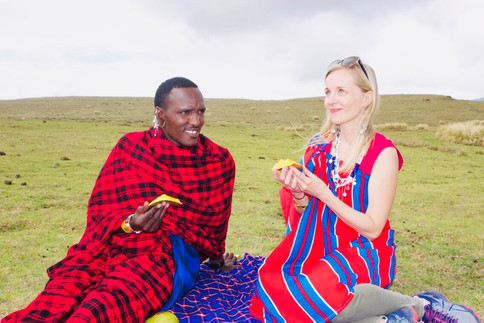 Picnic lunch in Ngorongoro with the Maasai