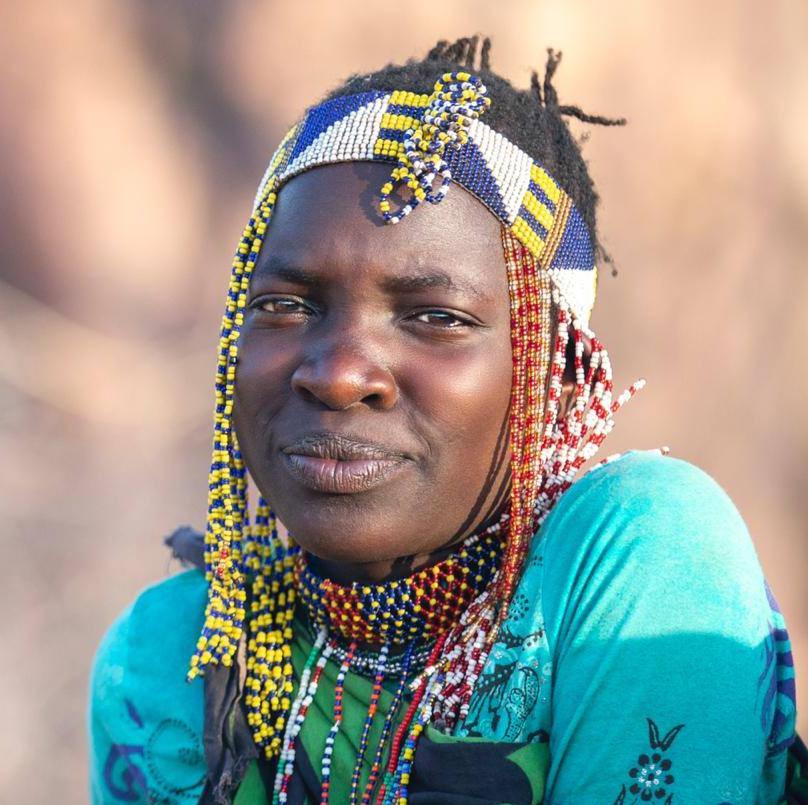 Meet Hadza tribe in Lake Eyasi Tanzania