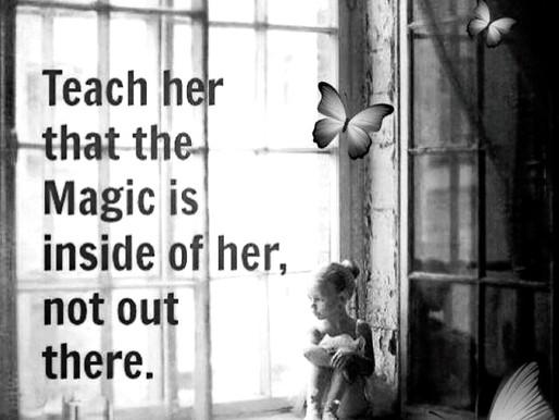 I pigens tristhed og madtanker bor en længsel efter at være den hun er...