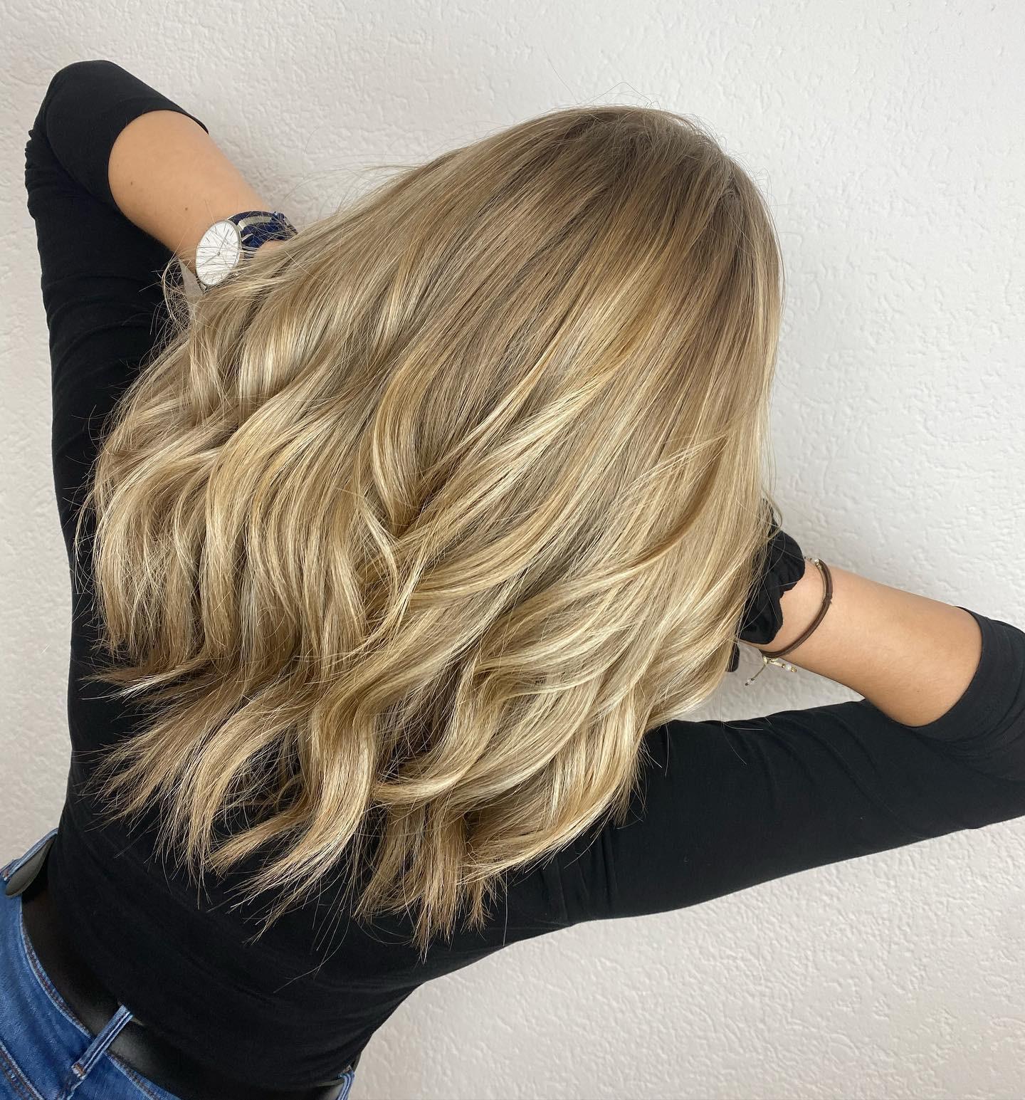 Damen Haarschnitt