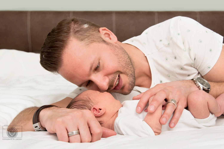 newborn lifestyle fotografie by Lindsey