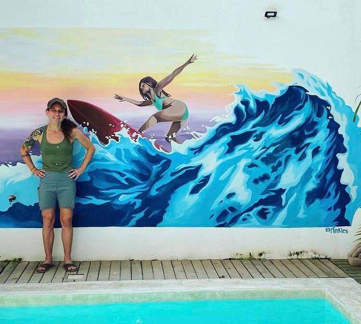 La Surfista (Mural, Puerto Escondido Oax