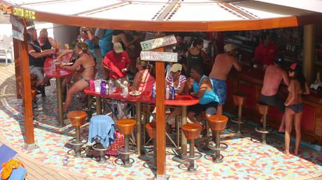 Carnival Glory, bar