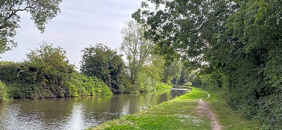 Trent and Mersey Canal, Glamping, Camping