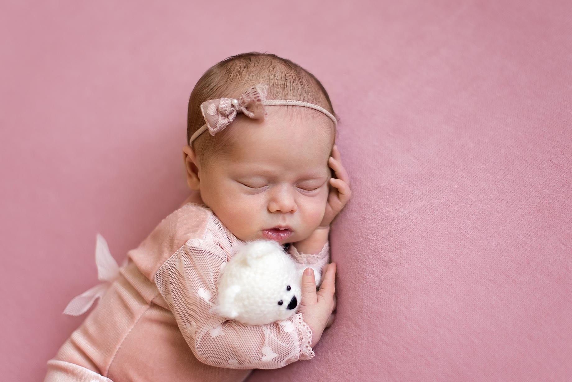 Newborn девочка