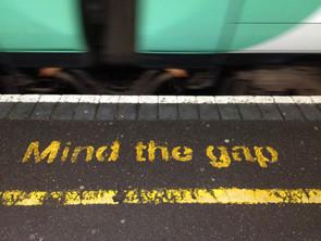 Mind the gap! Tiede, taide ja maailmanparannus (In Finnish)