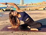 yoga port emotion barcelona beach classes private english acroyoga particular zlata cascais retreat