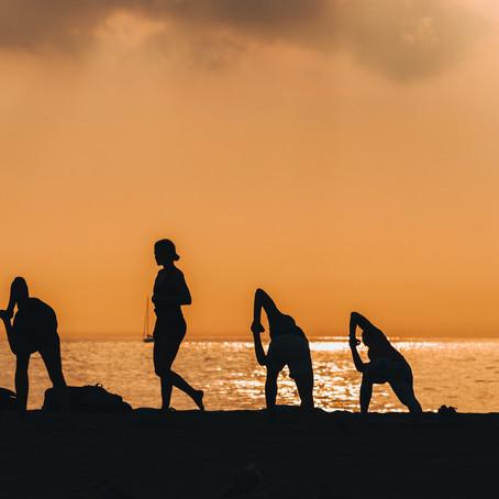 AcroYoga & Yoga Beach Barcelona (English)