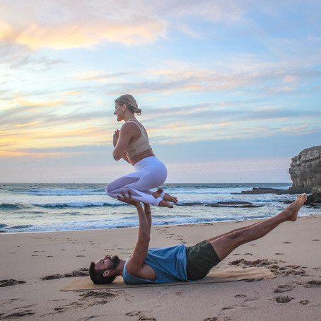 Shin to Hands (AcroYoga Biblio)