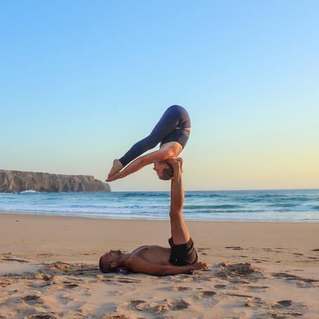 Weird Thing (AcroYoga Biblio)