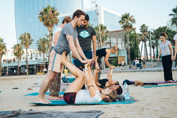 AcroYoga for clean Water