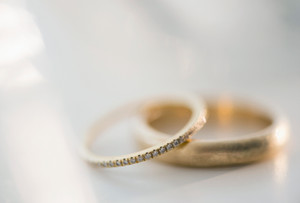 Keep it classy with timeless and classic wedding bands