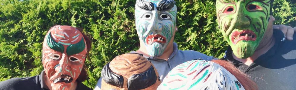 Die ersten Masken
