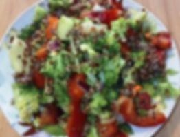 салат с киноа красной и льняным маслом.j