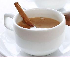 Особенность Массала-чая состоит в кипячении воды с сахаром и со специями - чай приобретает карамельный вкус.