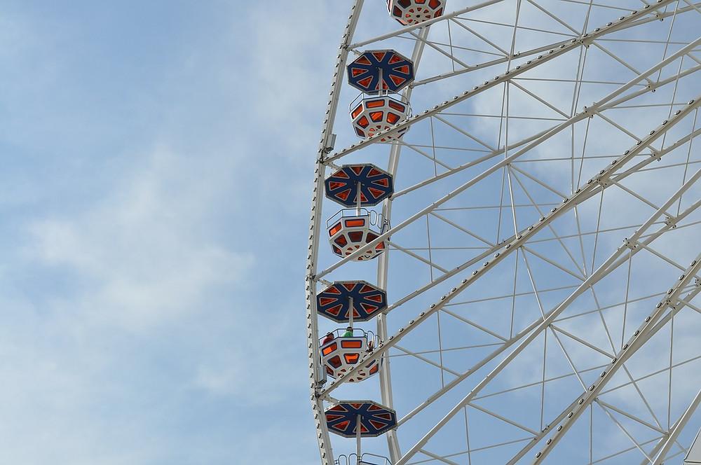 ferris-wheel-356423_1280.jpg