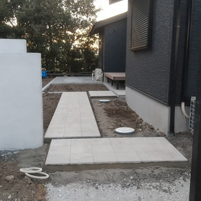 伊勢崎市外構工事 アプローチ、門壁