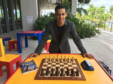 National Ches Master Robert Ramirez teaches how to play Chess in Miami, Florida and online Chess lessons near me