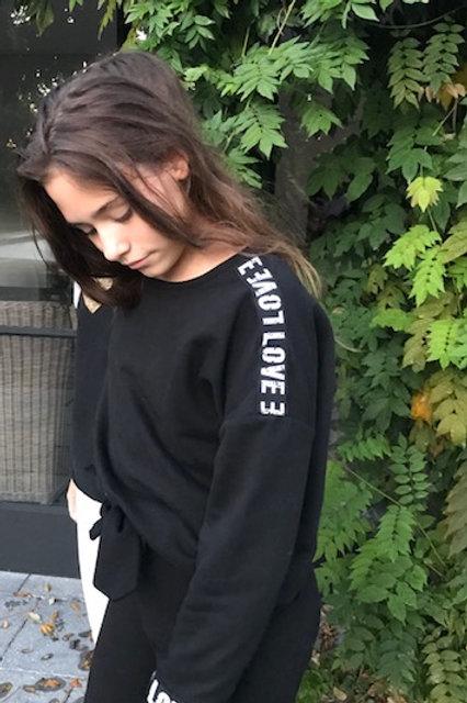 Sweater loose fit black love