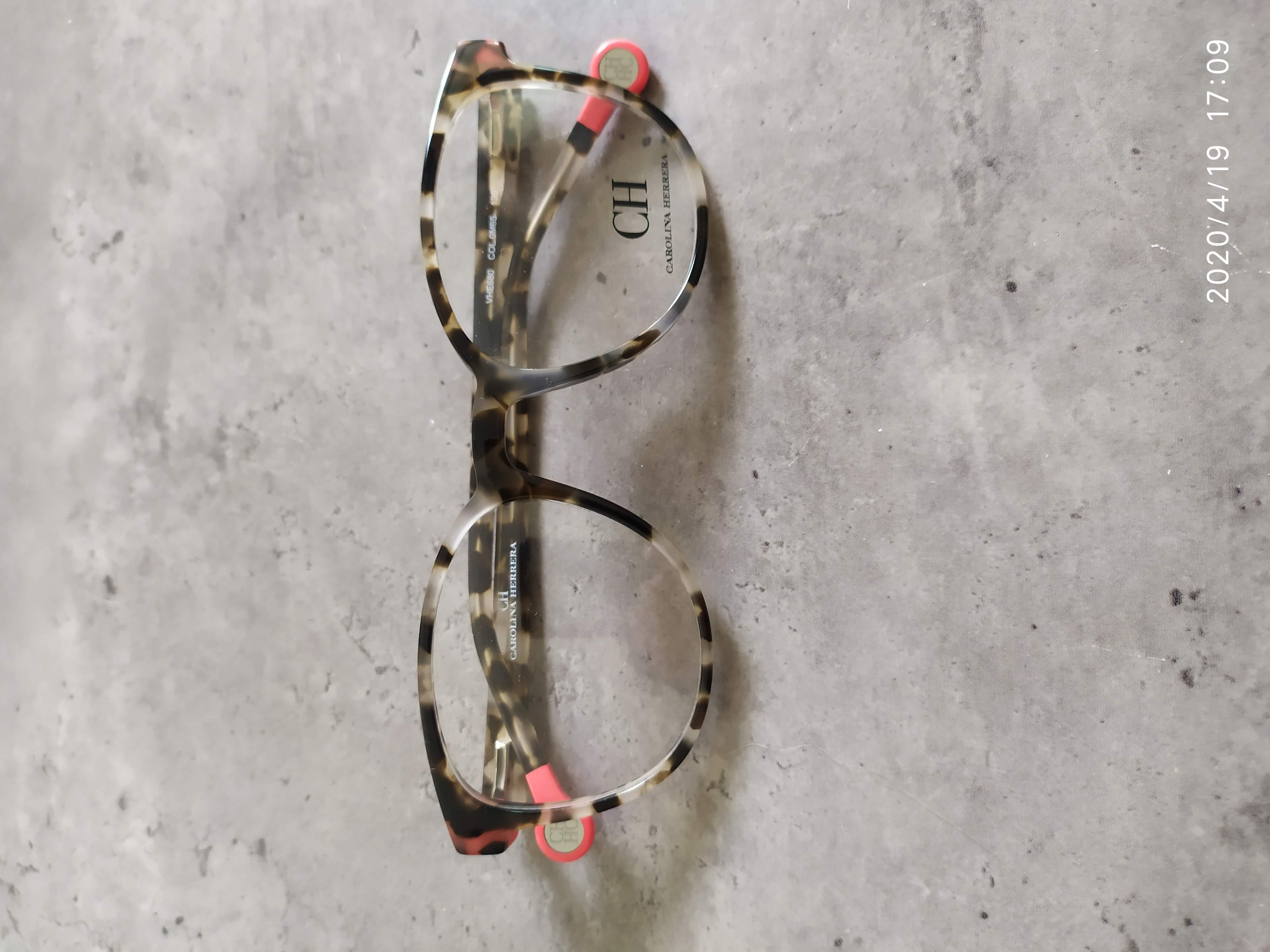 (מידה 50-19) Carolina Herrera דגם680