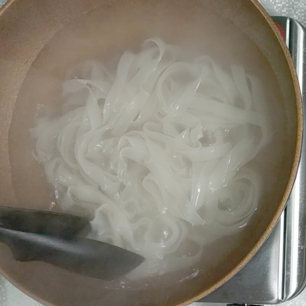 1. Boil noodles for 6-8 minutes in boiling water then put in cold water. Then drain and set aside.