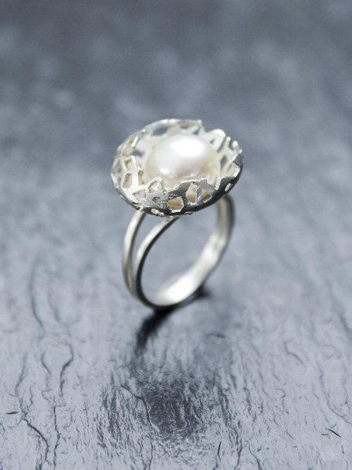 ring - Nest - white gold & pearl