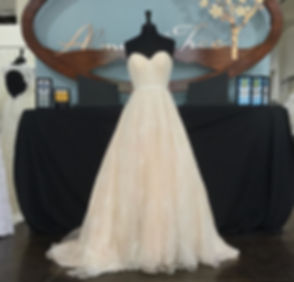 The Sweetheart Design Wedding Bridal Dress is Classic, and the Best Wedding Dresses are at Almond Tree