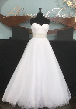 Hollywood Glamor Wedding Bridal Dres