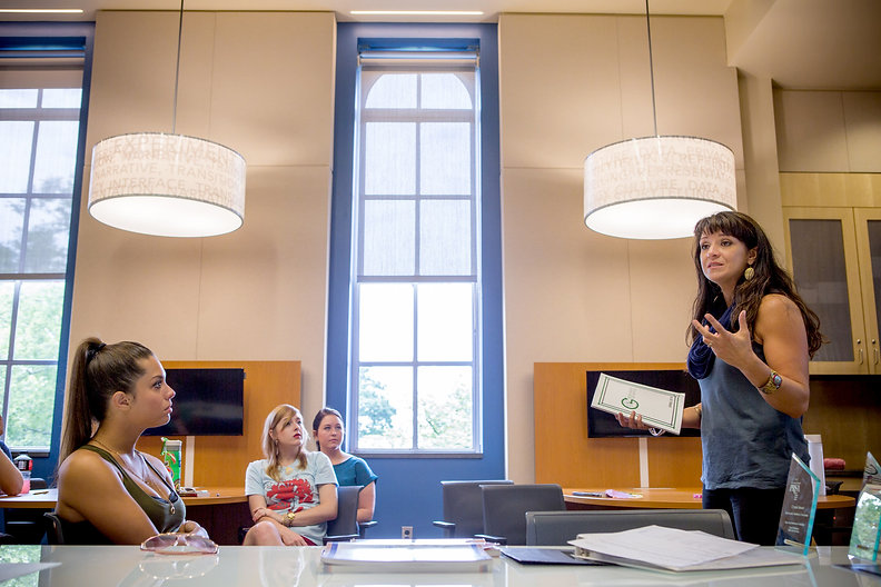 Rita Colistra teaches PR Capstone students in the Media Innovation Lab