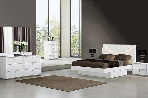 "446.5"" X 189.8"" X 74.1"" White  4PC Queen Bedroom Set"