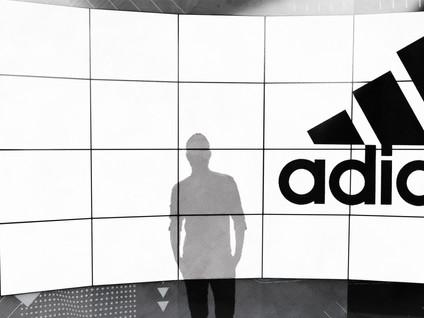 Adidas Set v3D Action.jpg