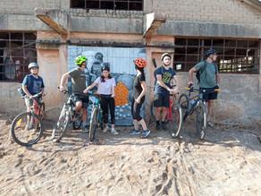 יומולדת אקטיבי למשפחה ספורטיבית - טיול אופניים בעקבות הדלתות המצויירות הסודיות בירקון ואגם הוד השרון