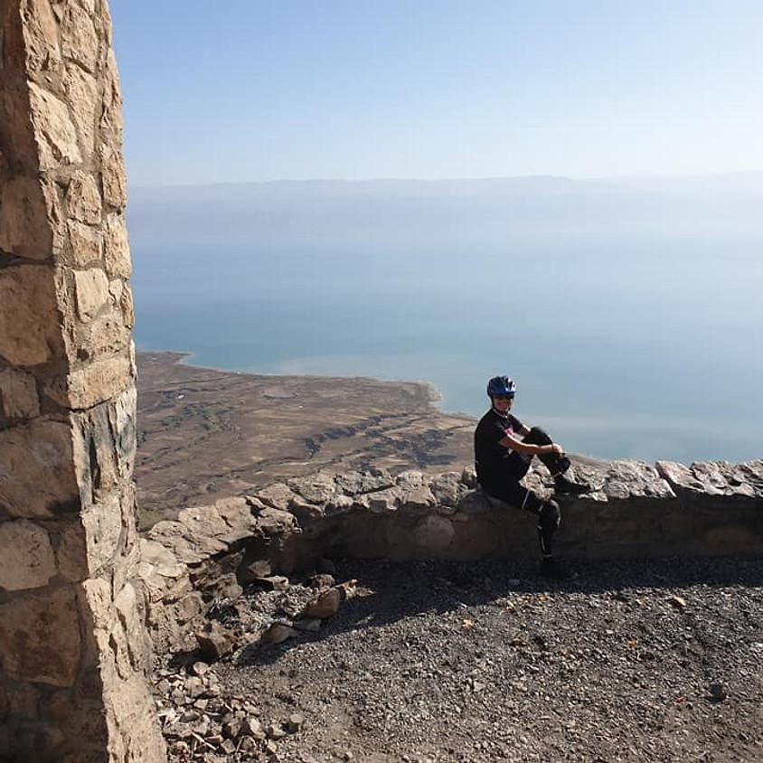 בתוך מנזר המרסבא פלוס תצפיות מצוק העתקים ים המלח