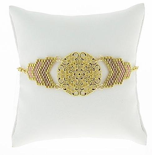 BIJOUX FANTAISIE // Bracelet rosace dorée et chevrons Miyuki roses