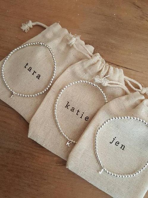 CADEAU INVITÉS // Bracelets perles argent pour demoiselles d'honneur