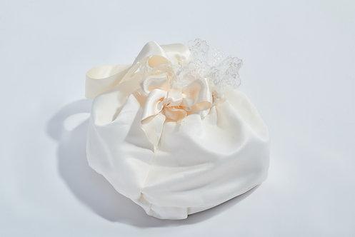 ACCESSOIRE CÉRÉMONIE // Sac pour robe de cérémonie satin dentelle et perles