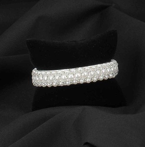 BIJOUX FANTAISIE // Bracelet jonc argenté et perles nacrées